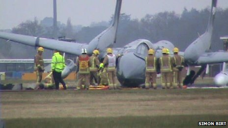 The-Sea-Vixen-crashed-on-landing-at-Bournemouth-airport